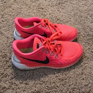 NIKE free 5.0 shoes size 8!!!